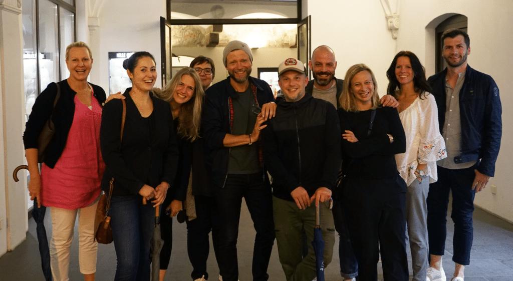 Ein Gruppenfoto vom Team der Akademie Trainingswerkstatt
